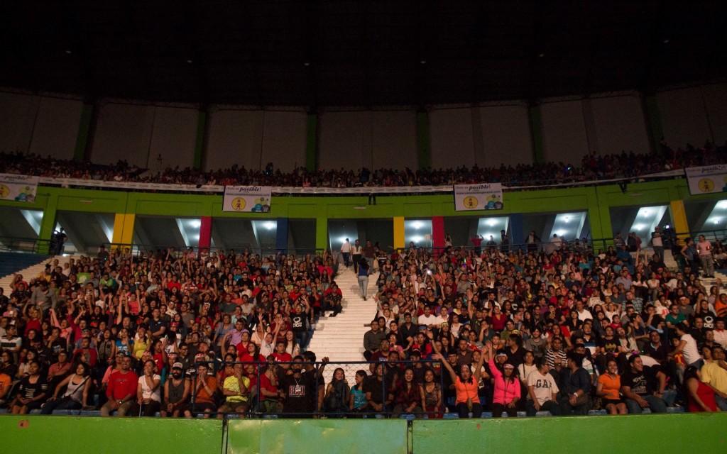 Público disfrutando del evento