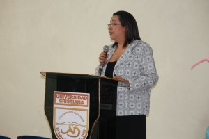Licda. Concepción de Girón, coordinadora de la carrera Ciencias de la Comunicación.