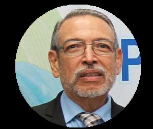 Lic. Cesar Quinteros, Rector de la Universidad Evangélica de El Salvador