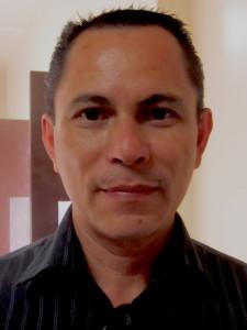 Pastor Tomás Alfaro de Iglesia Shekina.