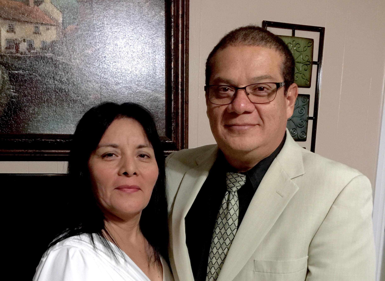 Pastor Omar Diaz y esposa