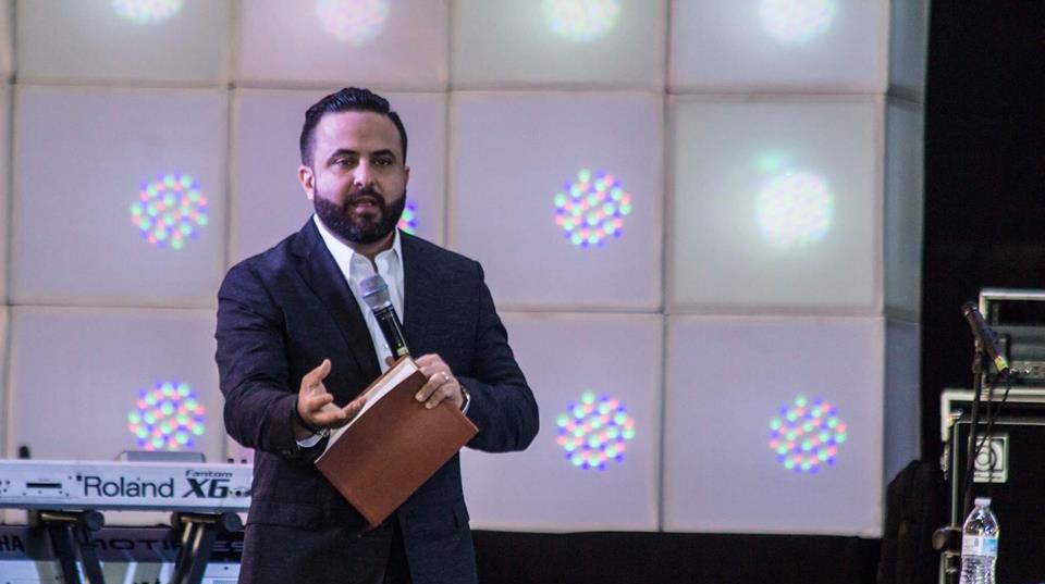 Otoniel Font. Pastor General Iglesia Fuente de Agua Viva en Puerto Rico
