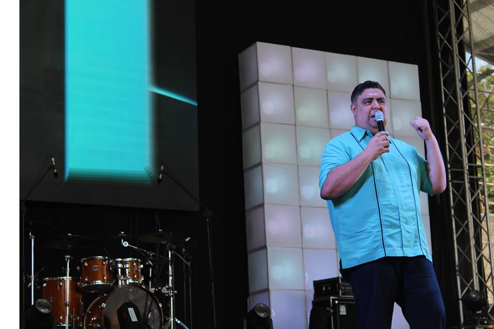 Dr. Vladimir Rivas, Pastor General Iglesia COMPAZ