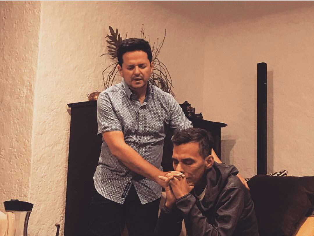 Danilo Montero en su reciente visita a Julio Melgar
