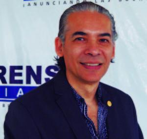 Maestro Benjamín Solís. Director de la Orquesta Sinfónica Cristiana