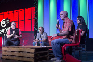 de izquierda a derecha, Howard Andruejol, Adrián Intrieri y Jim Burns.