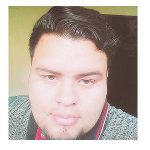 Eliezer Morales Locutor de Radio Visión, 90.5 en la zona de Lourdes Colon y 106.1 en Ahuachapán